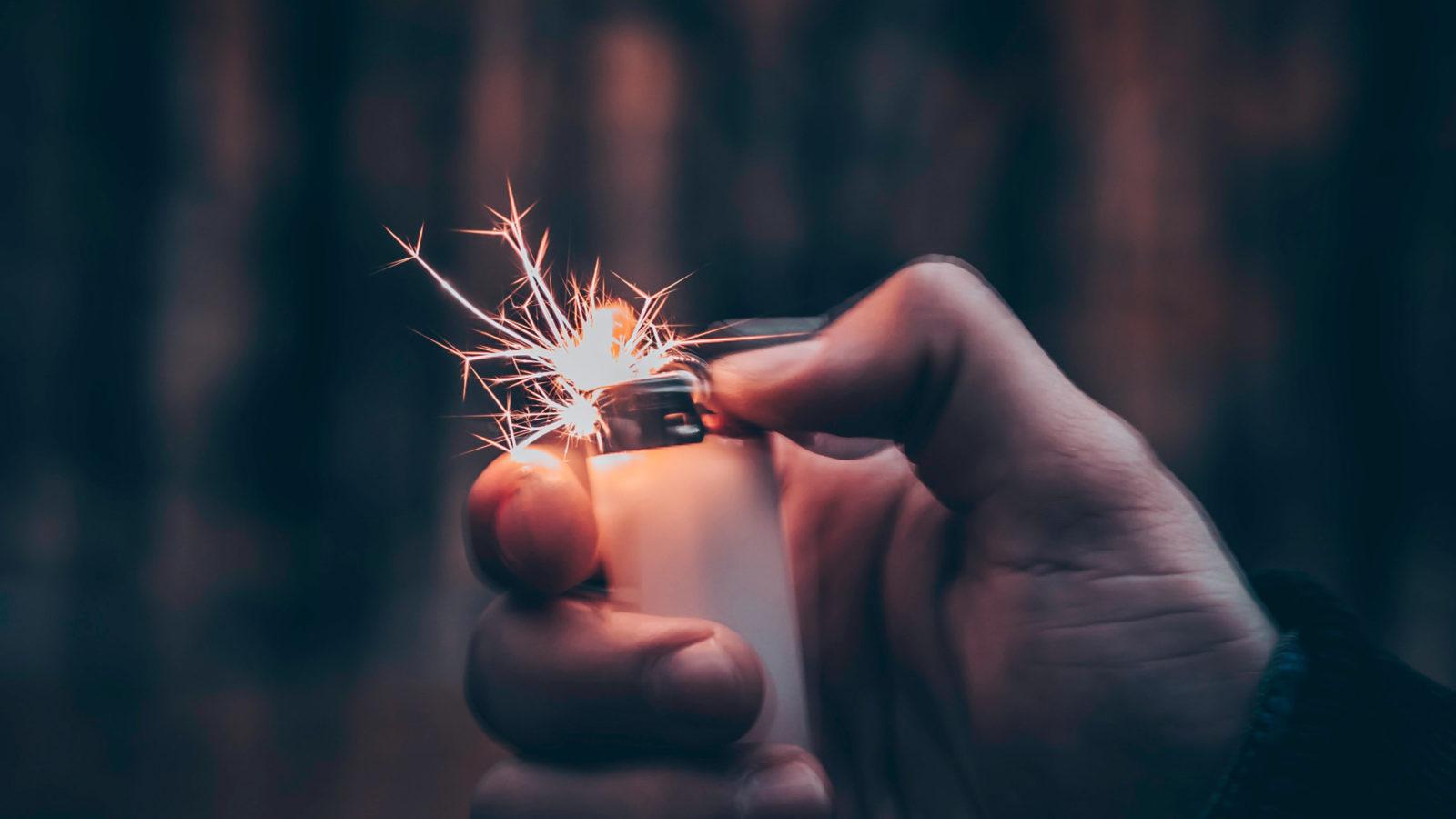 Feuerzeug mit Funken