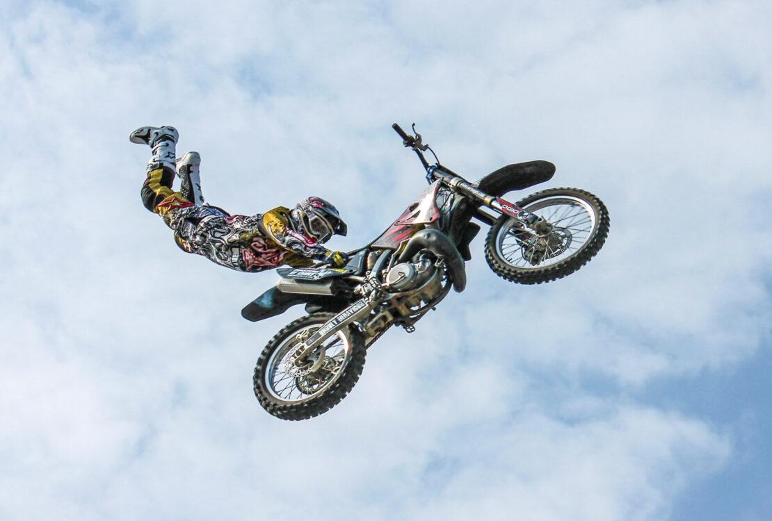 Kein Stunt: Automatisierung mit InDesign, XML und CSV